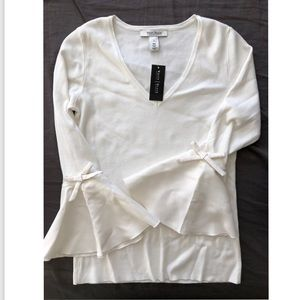 White|Black white sweater with flare sleeve
